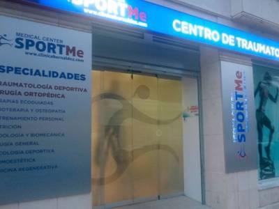 Decoración de fachada e interior del local de Sportme