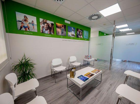 proyecto-decoracion-clinica-dental-rocio-montero-by-goodcompany-publicidad